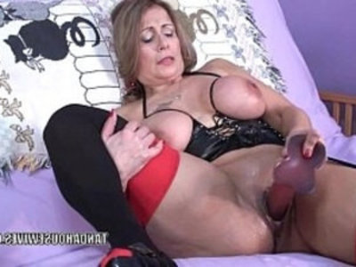 Curvy MILF Sandie Marquez fucks her mature twat with a toy | amateur   curvy girls   dildo   housewife   latin girls   masturbation   mature   milf   mommy   mother