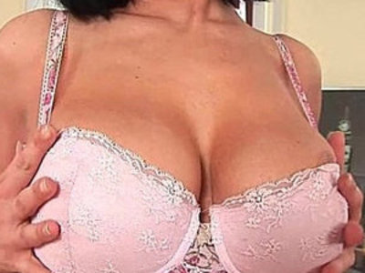 Soccer mom with boobs gives her mature pussy a workout | boobs   mature   pussy   son and mom   training