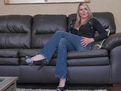 Canadian milf Velvet Skye slowly rubs her mature dildoing her pussy | dildo  mature  milf  pussy  rubbing