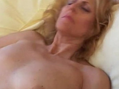 Mature loves to cum | amateur   mature   sperm