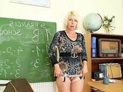 Milf loves to masturbate after school | amateur  blonde  dildo  legs  masturbation  mature  milf  old and young  pussy  school girls