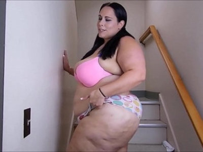 Updated stairway squirting | bbw   squirting pussy