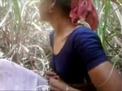 Indian Aunty Getting face Fucked Outdoor Wowmoyback | aunty   couple   desi girls   indian girls   outdoor   young