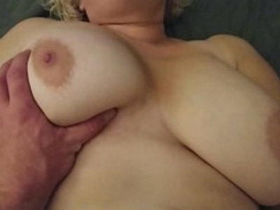 Homemade fucking amateur chubby wife   amateur  chubby girls  close up  hairy pussy  homemade  pussy  sex toys  wife